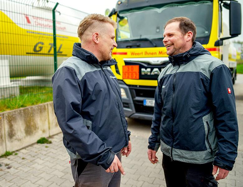 Die Weert Ihnen GmbH & Co. KG aus Emden ist Ihr erster Ansprechpartner für hochwertige Heizstoffe, Kraftstoffe und Schmierfette.